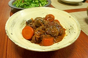 豚ヒレ肉の赤ワイン煮込み