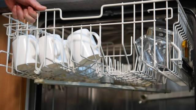 Praktisch: Diesen Spülmaschinen-Trick sollte jeder kennen - erstaunlich viele tun es nicht