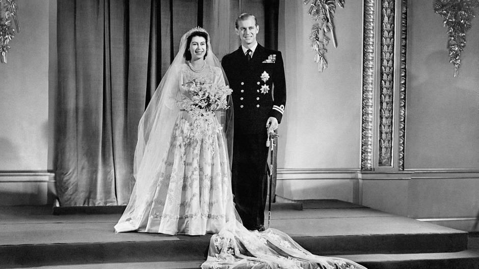Hochzeitskleid Queen  Friseur