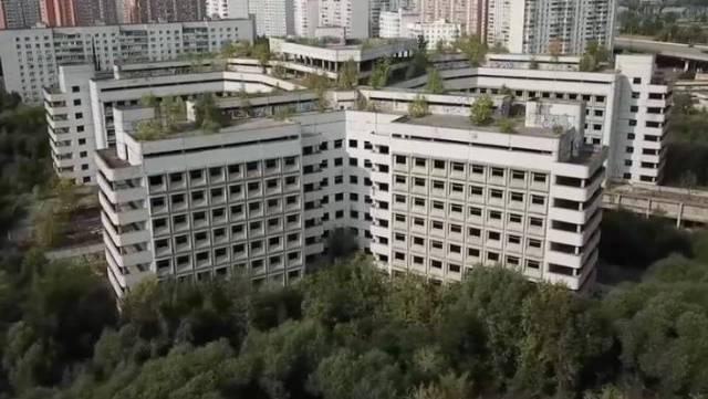 Verlassene Bauwerke: Dieses Krankenhaus sollte das beste in Russland werden - dann machten Ingenieure eine schaurige Entdeckung