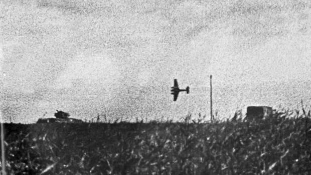 Hs 129 im Jahr 1943 im Angriffsflugin der Nähe desKasserinpass, Tunesien