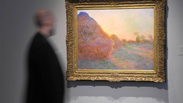"""Claude Monet's painting """"Meules"""" for 98.5 million euros at Sotheby's auction"""