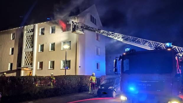 Noticias de Alemania: un apartamento en una casa multifamiliar en Hameln está en llamas