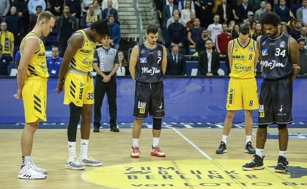 minute of silence for Kobe Bryant