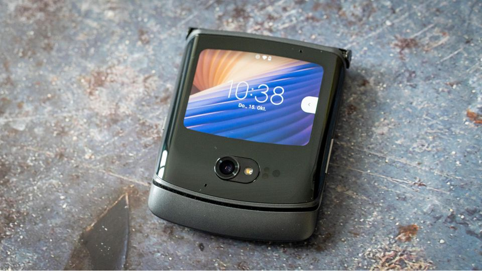Foldable: Motorola Razr 5G in the test: flap, the second