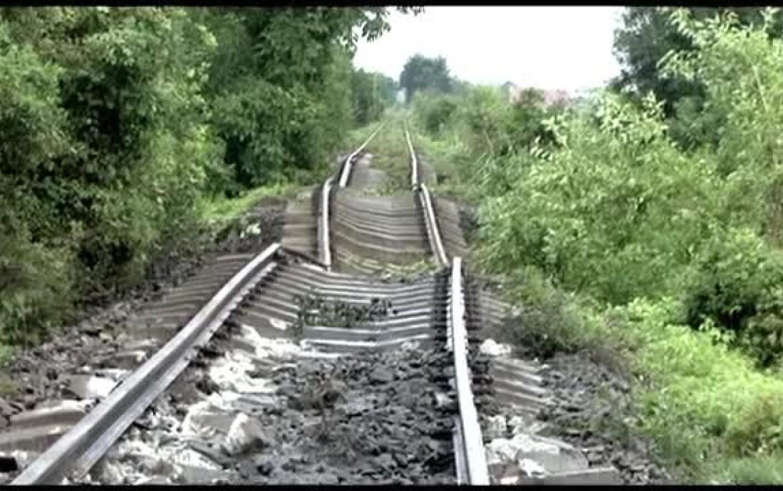 Sina De Tren In Valuri Imaginea Dezastrului Din Arges