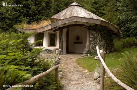 CASA ecologica din Romania aflata in topul 10 al celor mai reusite locuinte cob din lume