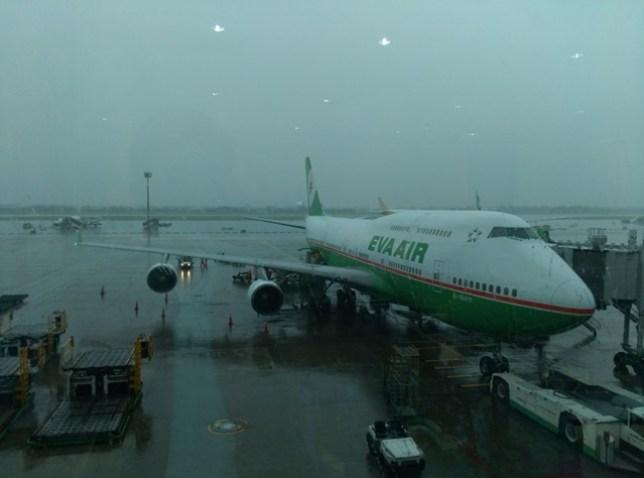 fly07 201503飛香港也有商務艙喔 怎麼這麼好