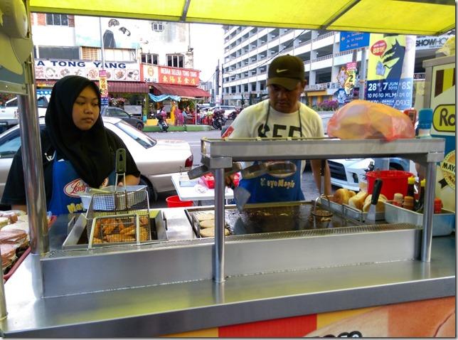 06_thumb7 Johor bahru-新山大豐花園 馬來粥/馬來漢堡 好料果真都在路邊攤