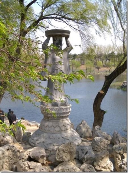 19_thumb2 Beijing-圓明園 英法聯軍毀的差不多了 但還是被列入世界文化遺產