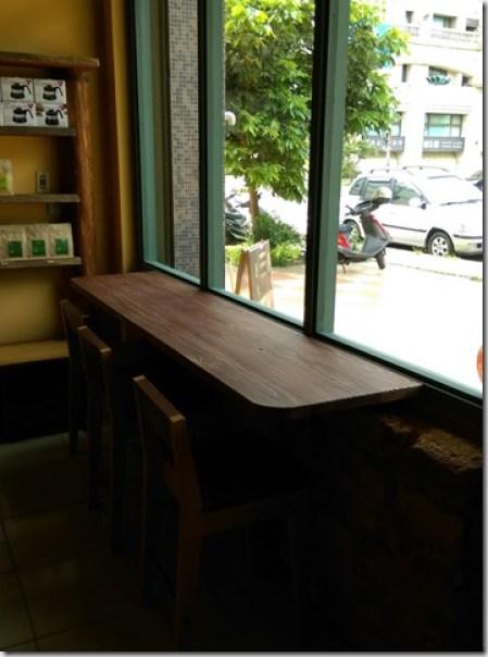 05_thumb5 竹北-直達咖啡 活潑優雅的咖啡空間