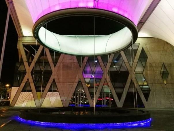 111111 鳳山-大東文化藝術中心 大漏斗造型點上燈更吸睛
