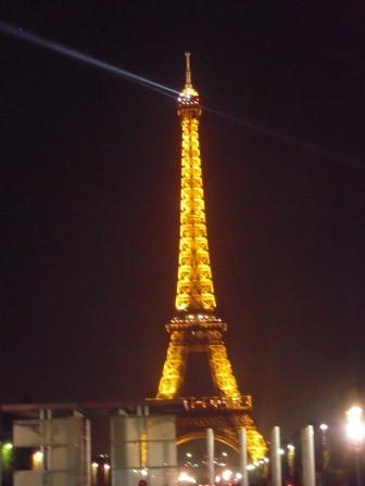 1322398035-1449442310-e1438729377722 Paris-Eiffel Tower巴黎鐵塔