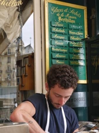 1373904307-1663456807-e1438731136296 Paris-塞納河邊享受Le Flore en l'Ile 冰淇淋&愛情鎖橋(2013英法德三國四城快速通過之16)