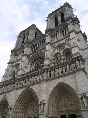 1375189937-1361088421-e1438730297448 Paris-聖母院 有鐘樓怪人?(2013英法德三國四城快速通過之15)