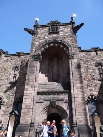 1375805647-1073507250-e1438770119597 Edinburgh-世界文化遺產之愛丁堡城Edinburgh Castle(2013英法德三國四城快速通過之23)