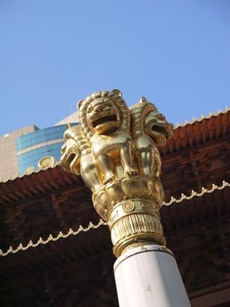 1358695655-858870744-e1439307667973 Shanghai-靜安寺 精華區中的寺廟