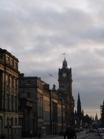 1375541283-2576759730-e1439283389185 Edinburgh-世界文化遺產愛丁堡之天際線Calton Hill(2013英法德三國四城快速通過之22)