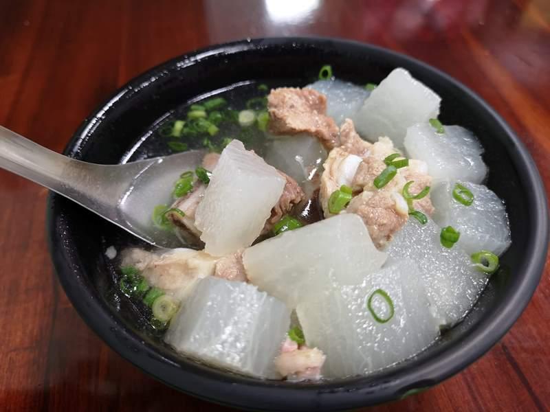 IMG_20180910_192239 竹北-高雄滷肉飯 郭  一整個三遷的滷肉飯