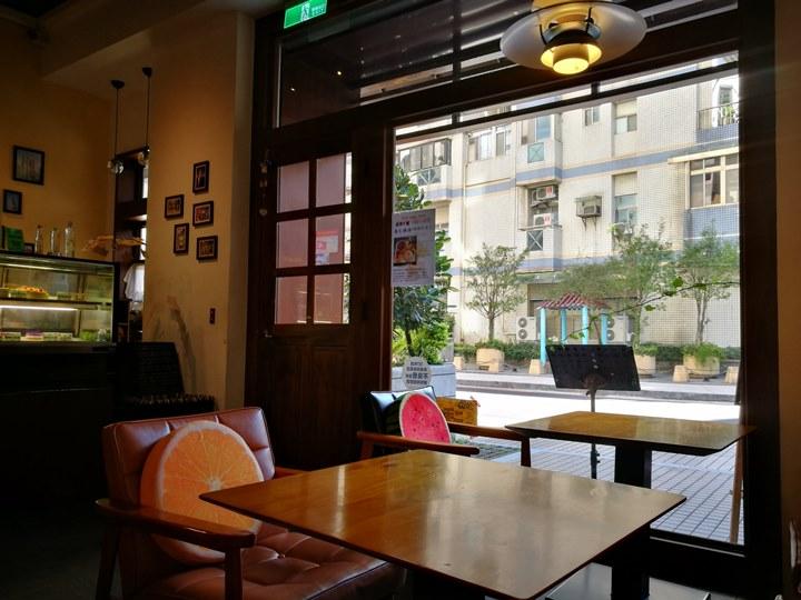 atcafe8 中壢-At Cafe 輕鬆簡單悠閒的午後奶茶時光