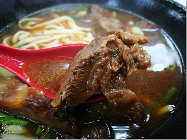 95beef5_thumb 中正-玖伍川味牛肉麵 紅燒筋肉夠味生意佳
