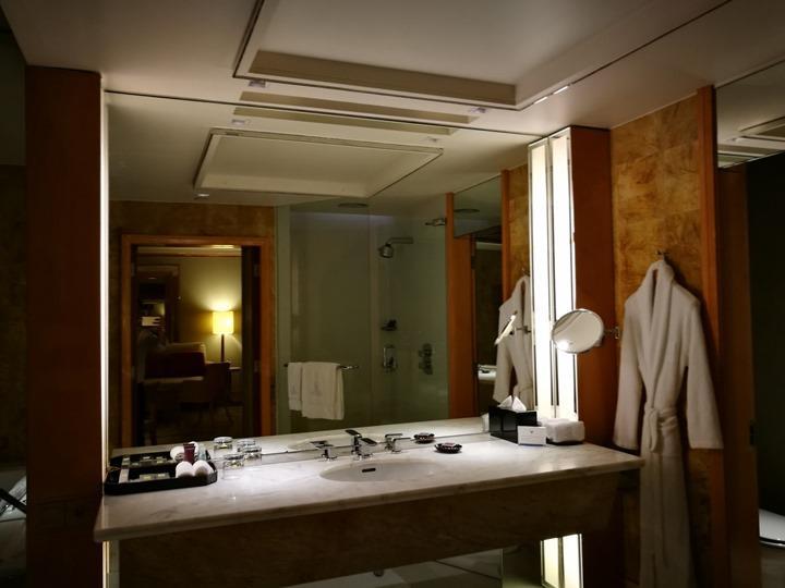ritzcarltonsigapore001116 Singapore-Ritz Carlton心滿意足的五星級飯店 新加坡最常住的飯店之一
