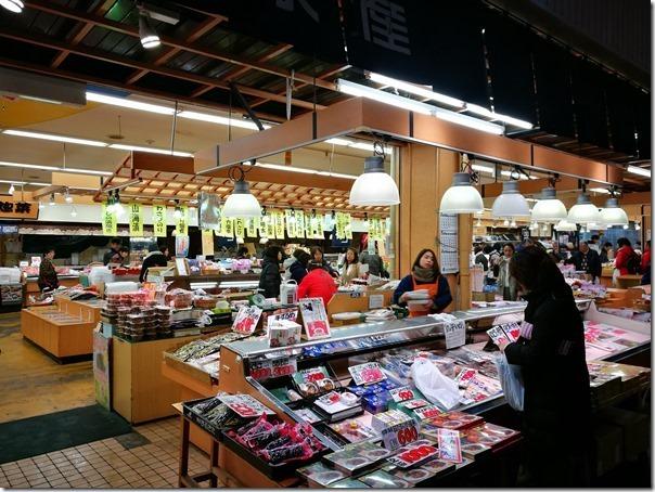 Omicho22_thumb Kanazawa-金澤近江町市場好逛好吃/刺身屋鰻魚香甜好滿足