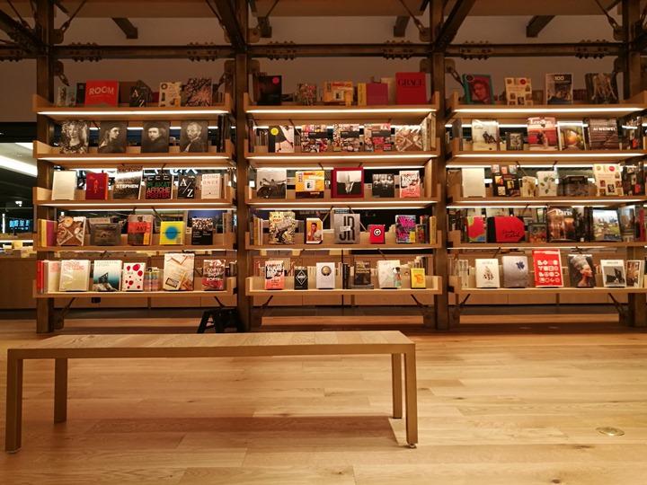 gsixtsutaya17 Ginza-銀座最新購物商場 GSIX櫃櫃都美 蔦屋書店 始終美麗的設計書店