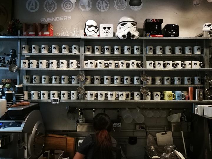 twoha08 桃園-二哈咖啡 小巷內超級英雄陪你一起喝咖啡
