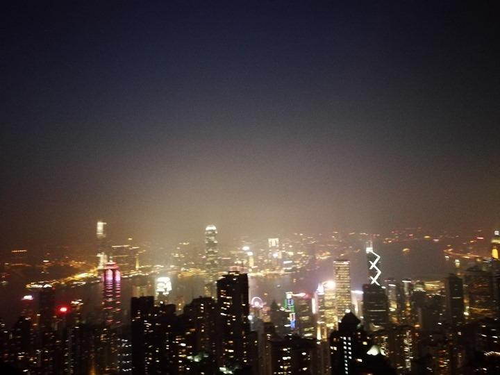 thepeak24 HK-擁擠的太平山The Peak 太平山夜景香港城市的擁擠