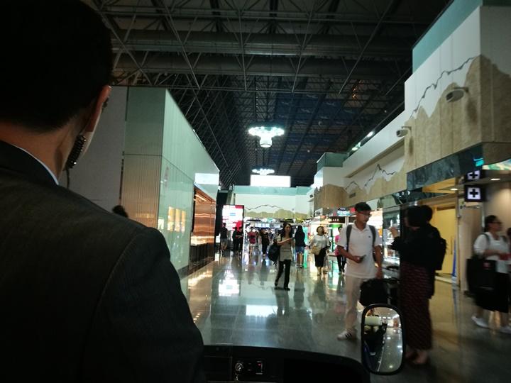 HYbizcenter120118 大園-環宇商務中心 享受尊榮級專屬貼心服務 掛行李過海關有吃有喝然後載你去登機