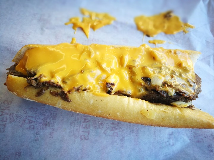 cheesestakes04 Philadelphia-費城特色小吃Cheesestake大比拚 Pat's King of Steaks VS. Geno's Stakes超飽足