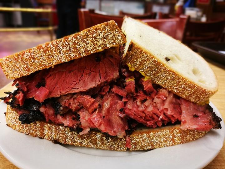 katzs14 New York-果真大蘋果之紐約真好玩 最好吃的燻牛肉三明治Katz's Delicatessen