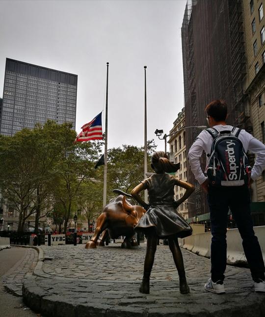 wallstreet2316 New York-紐約真好玩之華爾街的金融遊戲/帶領股市向上的金牛/無所謂的無畏女孩
