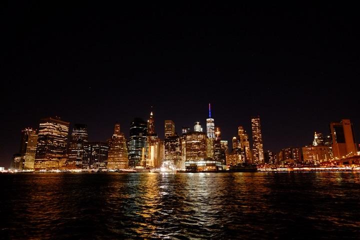 dumboview16 New York-果真大蘋果之紐約真好玩 布魯克林橋下 網紅聖地Dumbo&渡船碼頭賞曼哈頓夜景