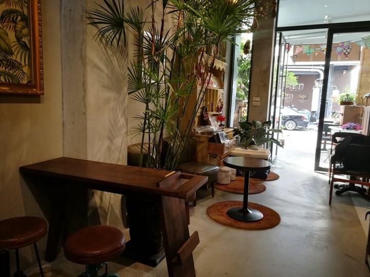johnandmacy12 南屯-約翰烤飯糰&梅西小賣所 超文青設計小店