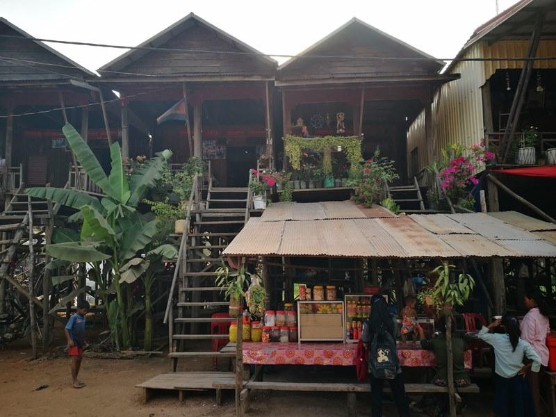 tonlesap16 Siem Reap-Tonle Sap洞里薩湖 柬埔寨的魚米鄉 落後環境中的知足生活
