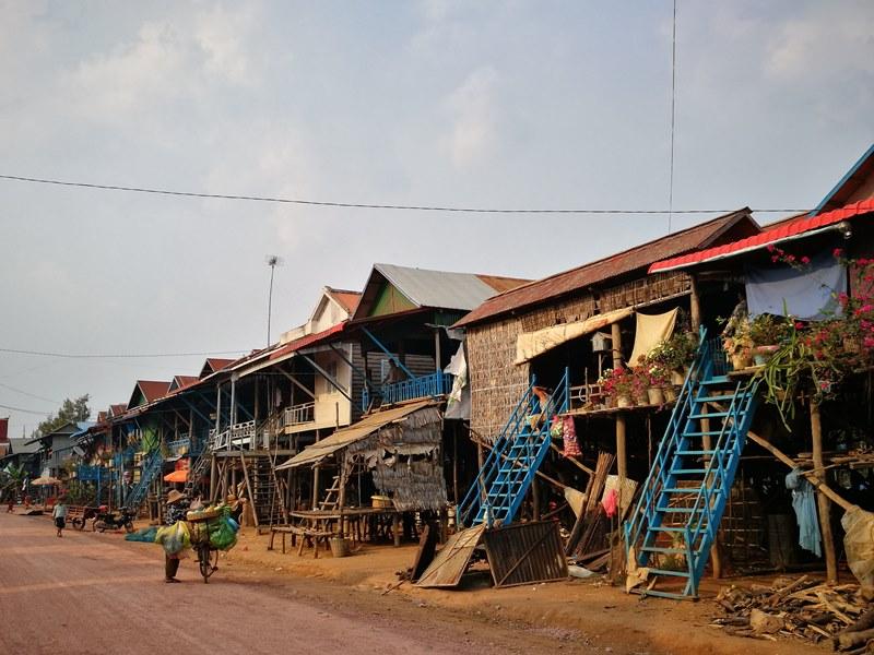 tonlesap18 Siem Reap-Tonle Sap洞里薩湖 柬埔寨的魚米鄉 落後環境中的知足生活