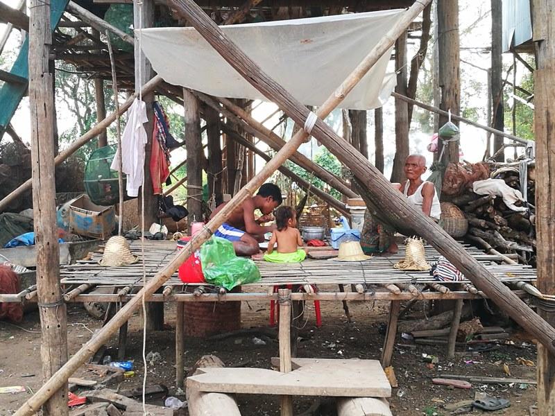tonlesap24 Siem Reap-Tonle Sap洞里薩湖 柬埔寨的魚米鄉 落後環境中的知足生活