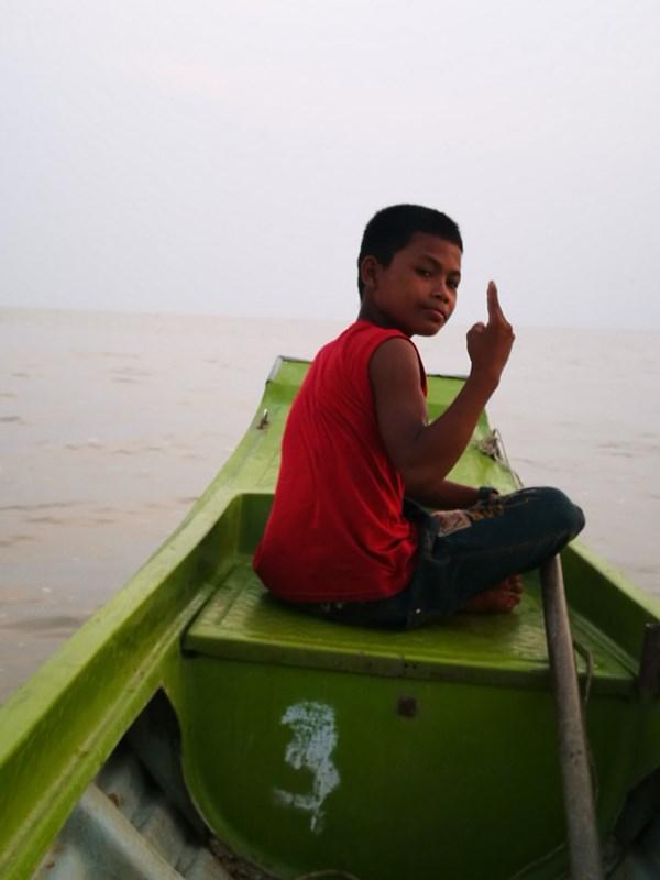 tonlesap40 Siem Reap-Tonle Sap洞里薩湖 柬埔寨的魚米鄉 落後環境中的知足生活