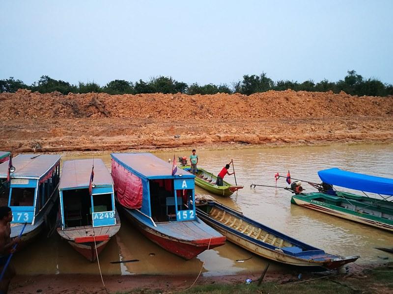 tonlesap50 Siem Reap-Tonle Sap洞里薩湖 柬埔寨的魚米鄉 落後環境中的知足生活
