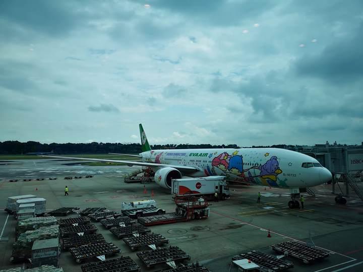 flysinsin01 201805台北新加坡Kitty伴我飛