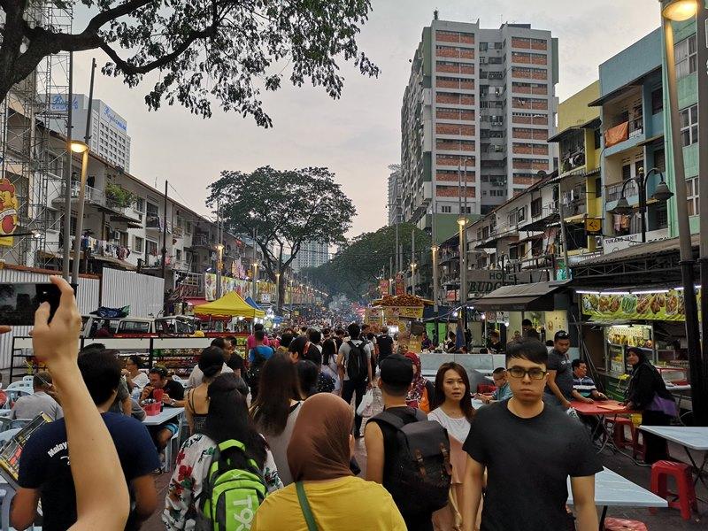 WAW09 Kuala Lumpur-吉隆坡必訪亞羅街夜市街 名店黃亞華 推薦烤雞翅與鹹蛋魷魚