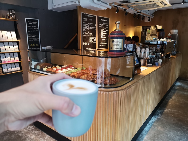 cupping-room15 HK-中環The Cupping Room Central燕麥拿鐵特色 可頌香酥迷人