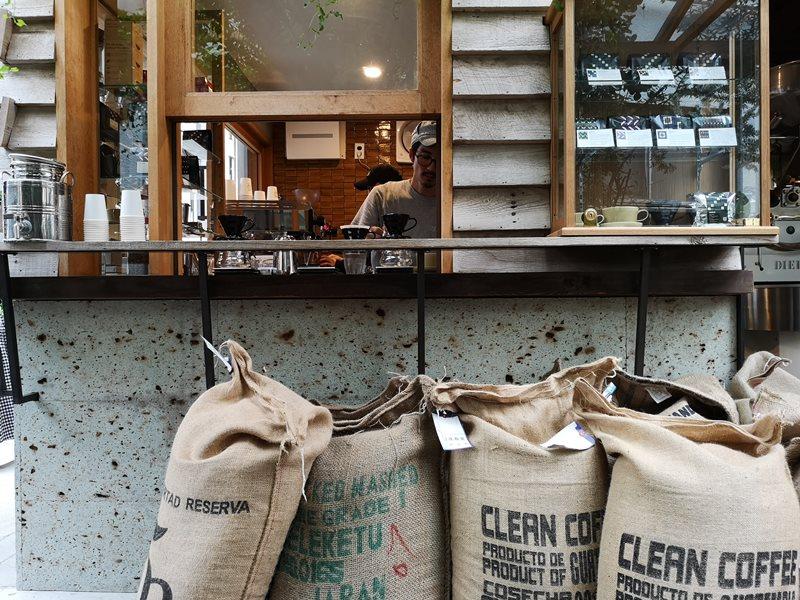 onibuscoffee08 Nakameguro-Onibus Coffee中目黑的老屋咖啡館 伴隨電車聲響的咖啡香