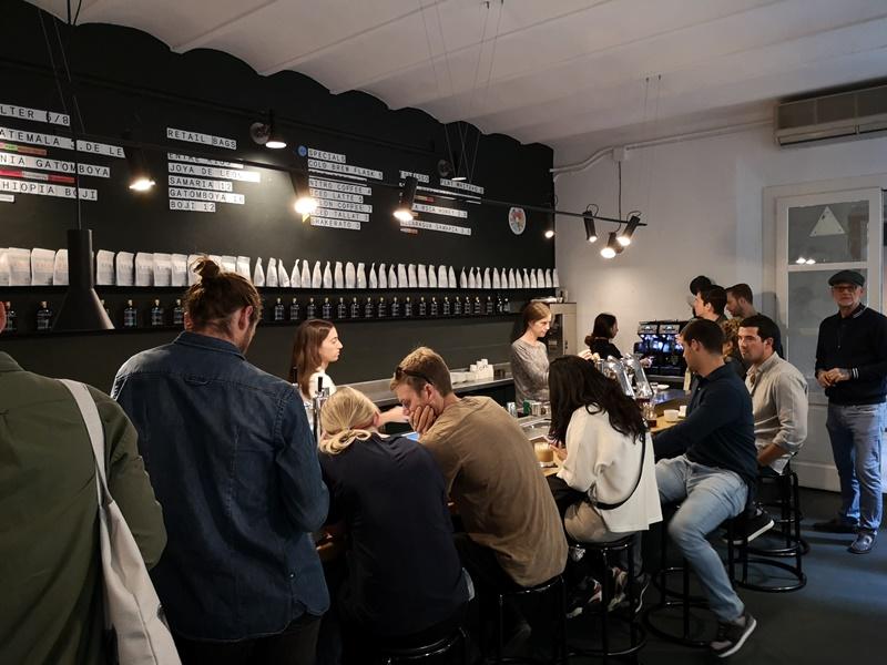 nomad04 Barcelona-巴塞隆納Nomad Coffee Lab & Shop美女執壺 好看也好喝