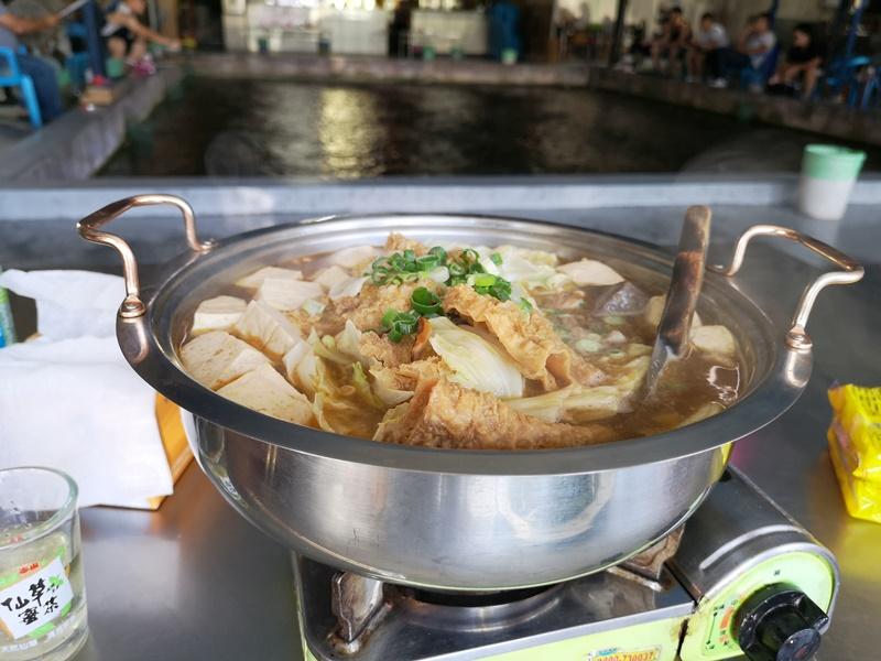 stinkytoufu2 新竹-香山鐵道旁隱藏美食 長興釣蝦場中竟有美味臭豆腐