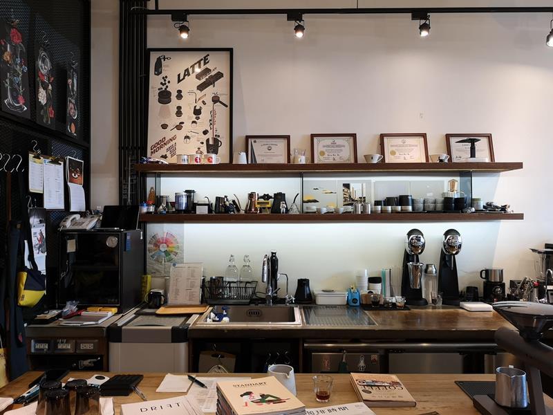 artisan08 前金-Artisan Cafe美森咖啡 手沖搭甜點輕鬆自在