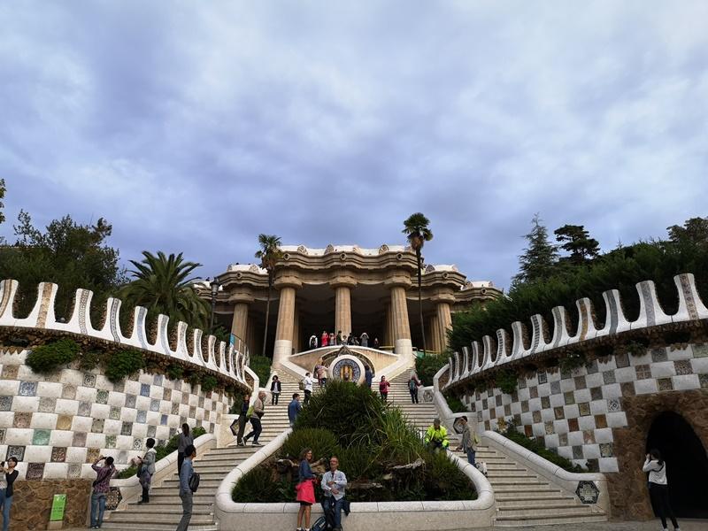 guellparkk14 Barcelona-巴塞隆納世界文化遺產  高第建築奎爾公園馬賽克蜥蜴太吸睛