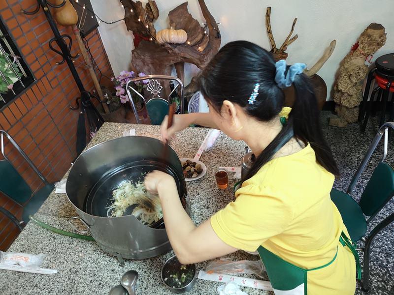 hanxiang08 大溪-盛夏吃火鍋 40年的好滋味韓鄉石頭火鍋